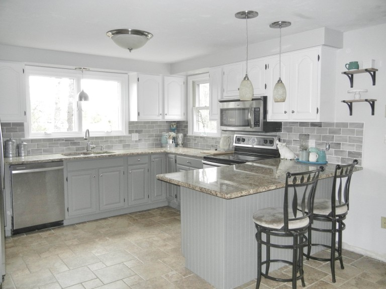 Two-toned kitchen cabinet paint colors