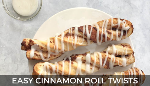 Easy cinnamon roll twists | Canned cinnamon roll sticks | Cinnamon roll ideas | Easy breakfast ideas | Canned cinnamon roll breakfast breadsticks | GinaKirk.com @ginaekirk